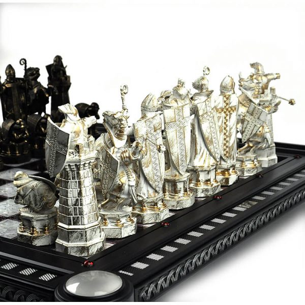 Harry Potter Finale Challenge Chess Set4